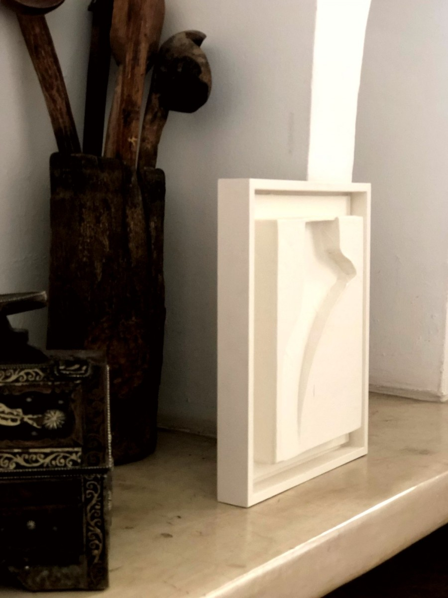 White tagine S side