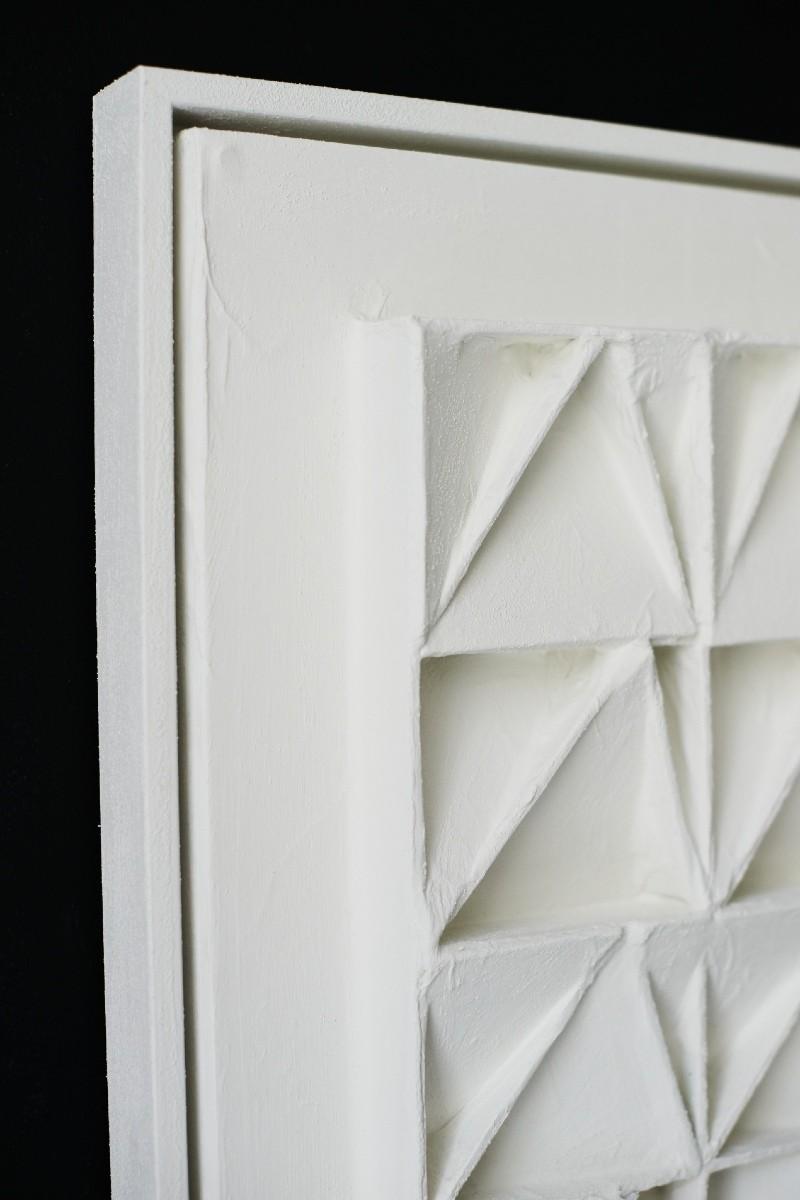 White 40 parts L detail